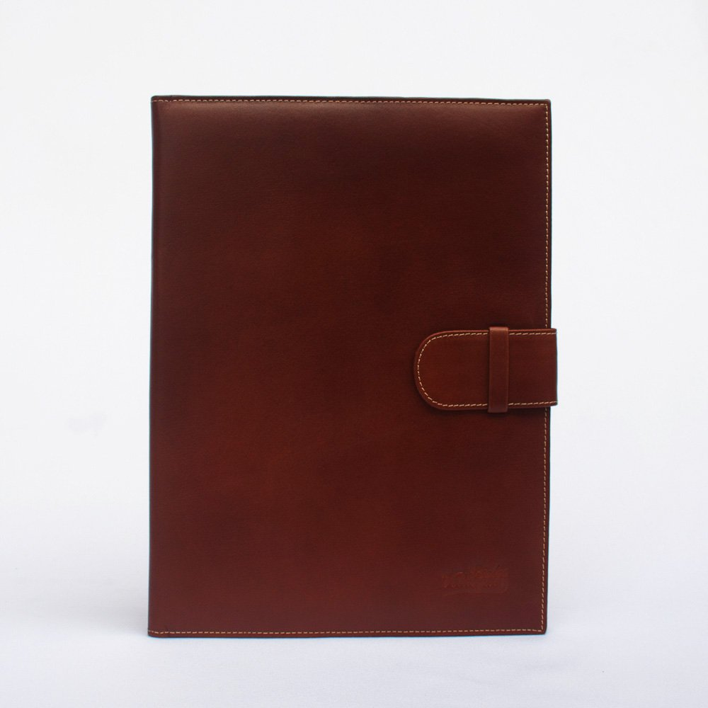 porta carpeta de cuero genuino a4 color caramelo cerrado