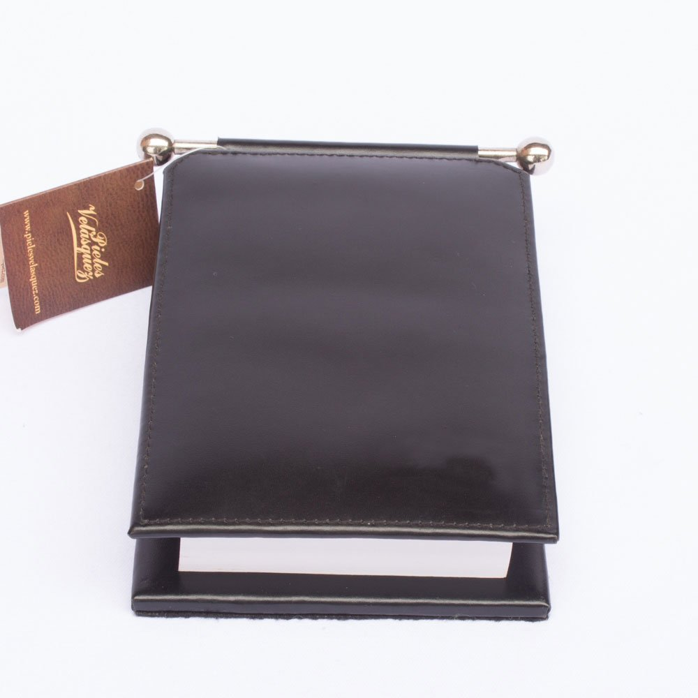 Porta Notas de Cuero Box Vacuno con accesorio inoxidable